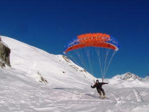 Esquí y parapente nieve
