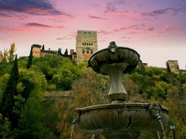 Viajar a la Alhambra de Granada