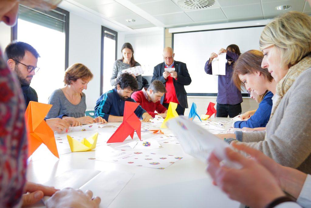 Felicidad laboral en el equipo de trabajo de Centraldereservas.com por el Día de la Diversión