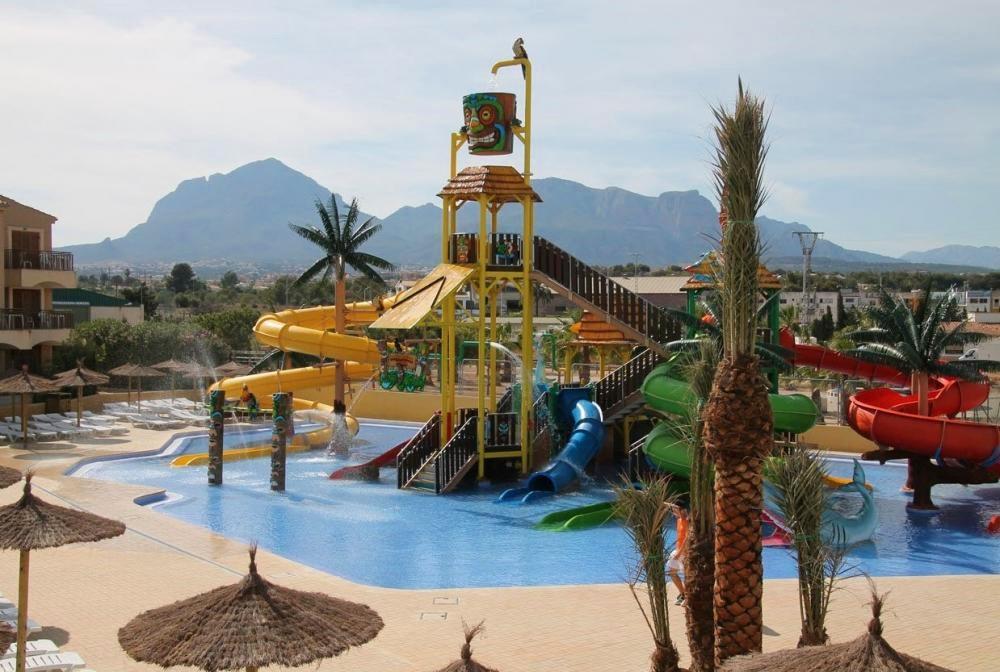 Hotel con toboganes en Alicante Albir Garden