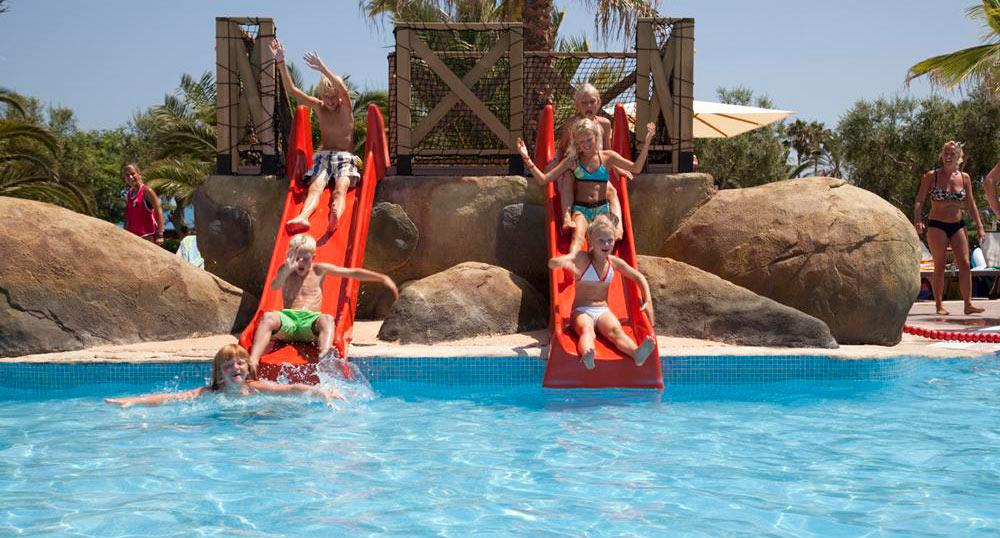Hoteles con toboganes en Cataluña, Costa Dorada. Complejo Cambrils Park Resort - La Mediterranea (Cambrils, Tarragona)