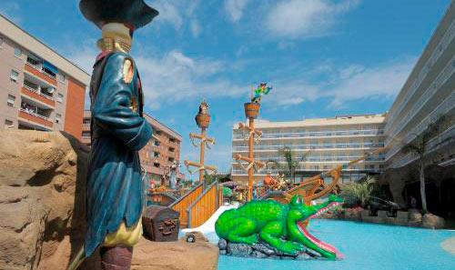 Hoteles con toboganes en Cataluña. Hotel Evenia Olympic Resort (Lloret de Mar, Girona)