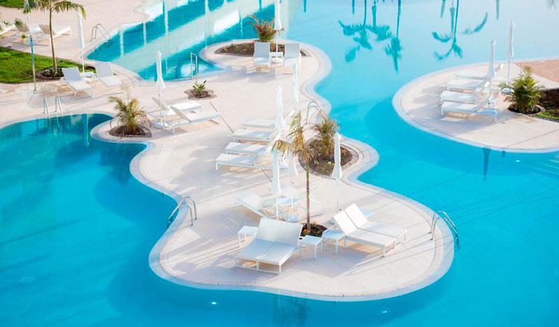 Hoteles con toboganes en Tenerife, Canarias.  Hotel GF Victoria (Adeje)