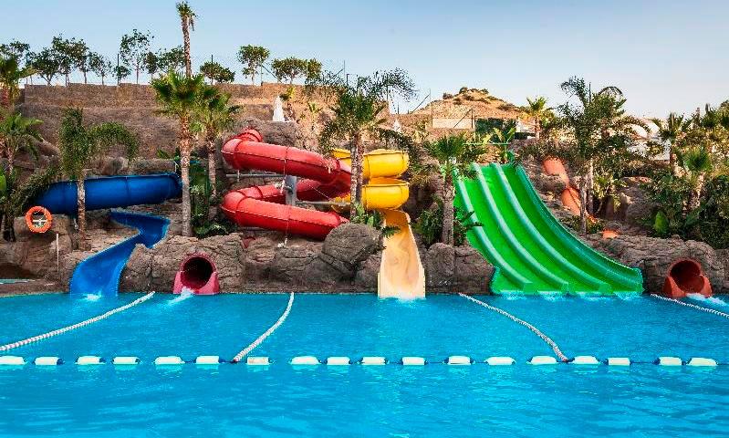 Hoteles con toboganes en Málaga. Hotel Globales Los Patos Park (Benalmádena)