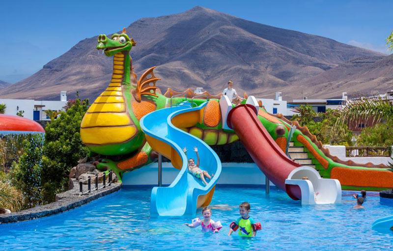 Hoteles con Toboganes en Lanzarote. Complejo Gran Castillo Tagoro Family & Fun Playa Blanca