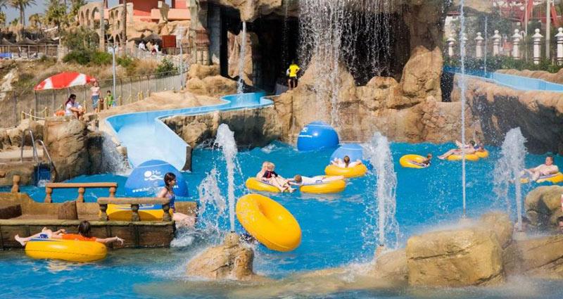 Hoteles con toboganes para niños en Málaga, Andalucía. Holiday World RIWO Hotel (Benalmádena, Málaga)