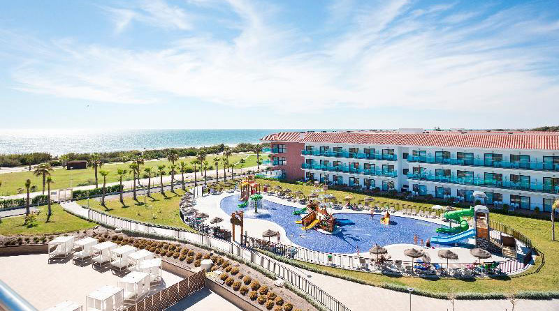 Hoteles con toboganes en Andalucía. Hotel Best Costa Ballena (Chipiona, Cádiz)