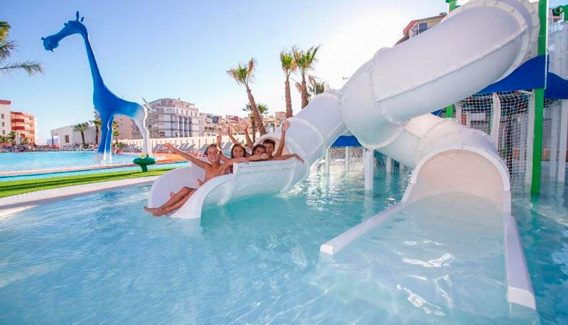 Hoteles con toboganes en Alicante, Costa Blanca. Suitopía - Sol y Mar Suites Hotel (Calpe)