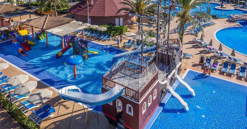 Hoteles con toboganes en Mallorca. Complejo Zafiro Can Picafort (Can Picafort, Mallorca)