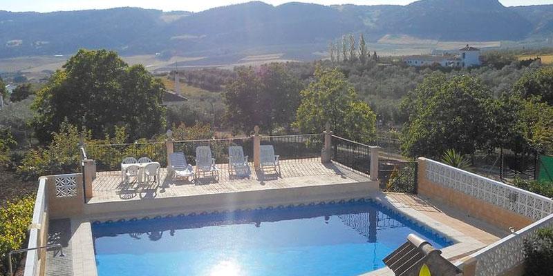La Casa Crisal. (Arriate, Cádiz). Hotel rural en Andalucía. Casa rural con encanto y con piscina.