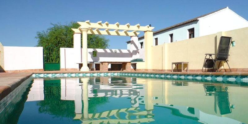 Villa Madrigueras. (Algodonales, Cádiz). Hotel con encanto en Andalucía. Con piscina. Hotel rural. Turismo rural.