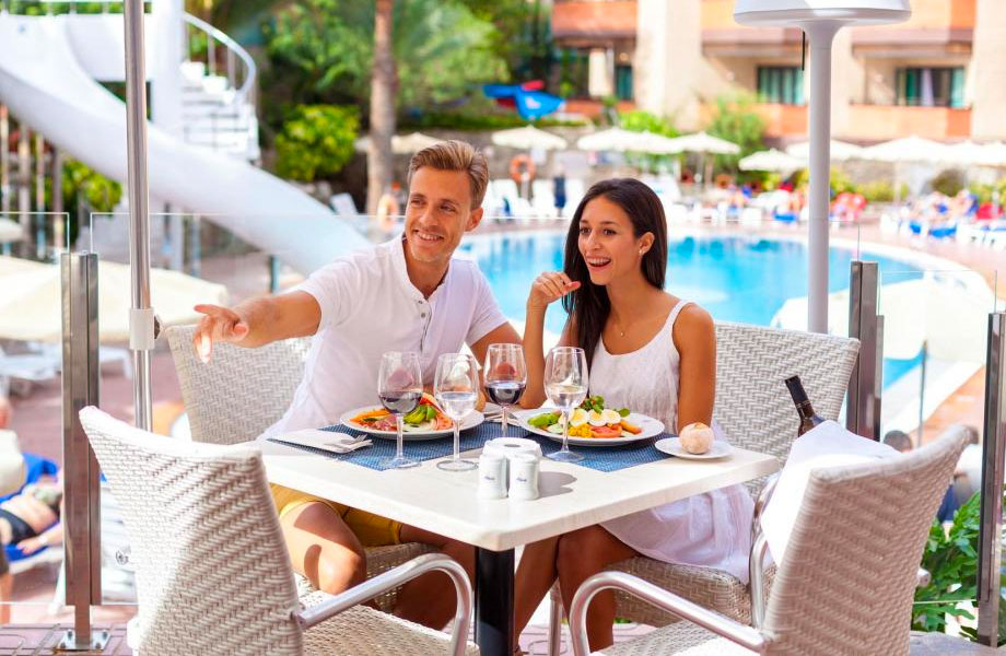 Mejores Hoteles Todo Incluido en España, playas del Mediterráneo, Canarias y Baleares.